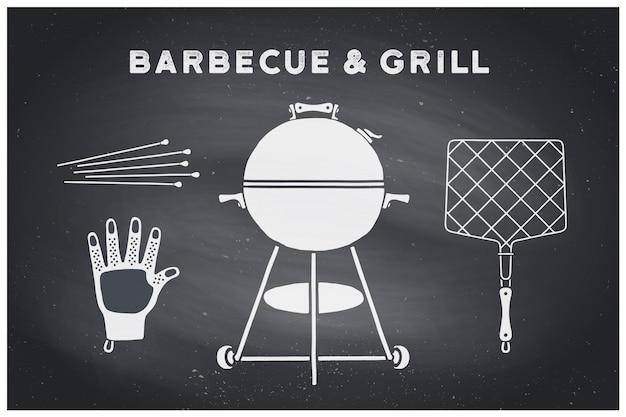 Grill, grillgarnitur. poster grill diagramm und schema - grill werkzeuge. set grillzeug, webber grill, werkzeuge für steakhaus, restaurant. schwarze tafel, handgezeichnet, kreide. illustration