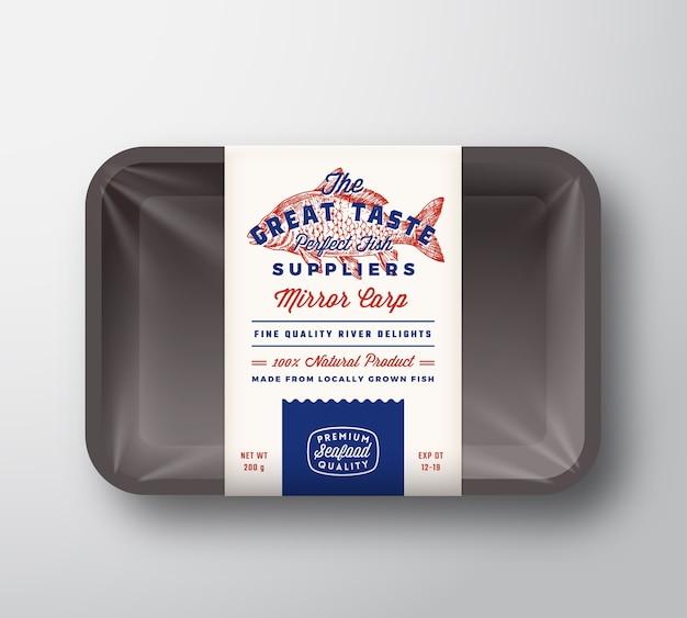 Großartiger geschmack fisch lieferanten abstrakte vektor rustikale verpackung design-etikett auf kunststoffschale mit zellophan-abdeckung
