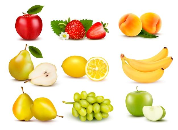 Große gruppe verschiedener früchte.