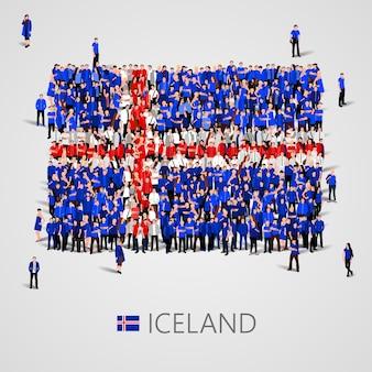 Große gruppe von menschen in form der isländischen flagge