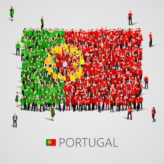 Große gruppe von menschen in form der portugiesischen flagge