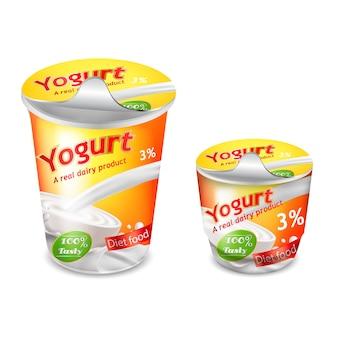 Große und kleine plastikbecher für joghurt