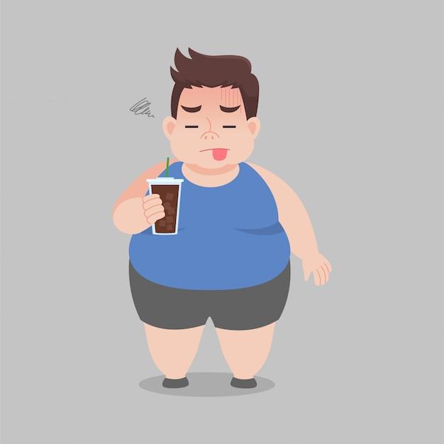 Großer fetter mann, der schwarzen kaffee für schlanken körper trinkt