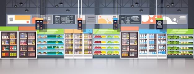 Großer lebensmittelgeschäft-supermarkt-einkaufszentrum-innenraum