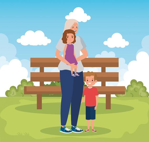Großmutter mit enkelkindern in der parkszene
