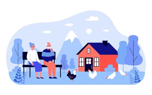 Großvater und großmutter sitzen auf der bank im hinterhof. flache vektorillustration. älteres ehepaar, das hühner betrachtet, die auf gras weiden lassen. natur, haushalt, ruhestand, familie, dorfkonzept