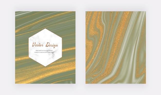 Grüne flüssige tinte mit goldglitterabdeckungen für einladungen