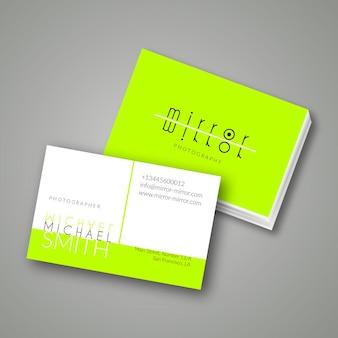 Grüne neon-visitenkarte