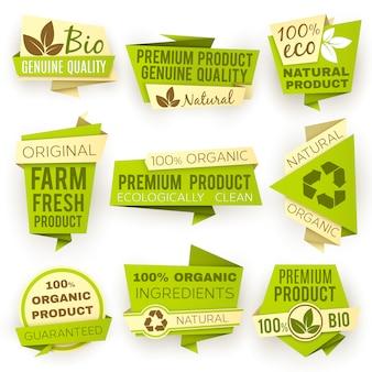 Grüne origamipapierfahnen der ökologie. verkaufstags und -ausweise des natürlichen bioprodukts eco eingestellt.