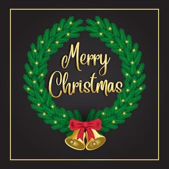Grüne weihnachtskränze mit goldener glocke