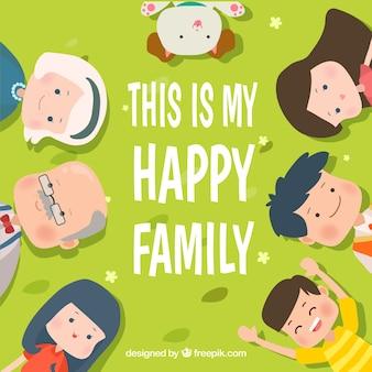 Grüner hintergrund mit lächelnden familie