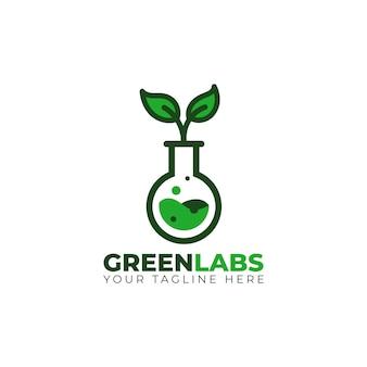 Grünes chemisches laborgefäß mit blattbaum-logoikone