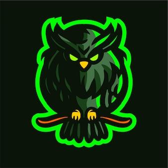 Grünes eulenmaskottchen-spielelogo