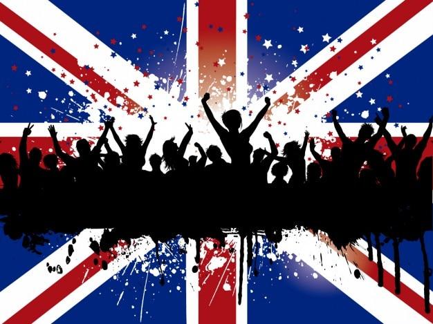 Grunge menschenmenge auf einem britischen flaggenhinter