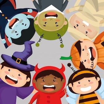 Gruppe des kinderrahmens kleidete oben in halloween an