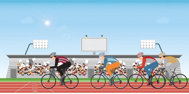 Gruppe des radfahrermannes im rennrad, das auf athletischer bahn läuft.