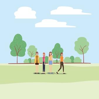 Gruppe frauen, die auf die parkcharaktere gehen