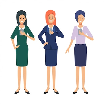 Gruppe geschäftsfrauen, die eine smartphoneanwendung verwenden. social media konzept menschen trend.
