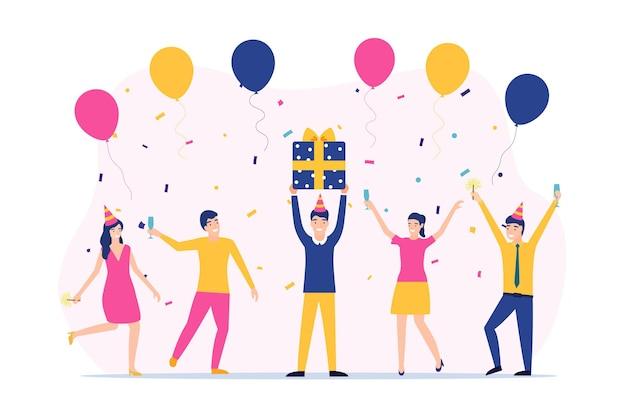 Gruppe glücklicher menschen, die die hände heben und feiertage feiern