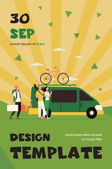 Gruppe von aktiven touristen, die am fahrzeug sammeln. minivan mit fahrrad auf beweglicher flacher flyer-schablone