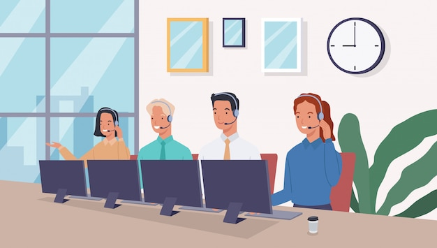 Gruppe von betreibern mit headset, die personen im callcenter-büro unterstützen.