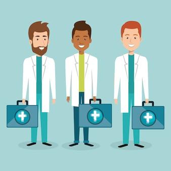 Gruppe von medizinischem personal mit kit-charakteren