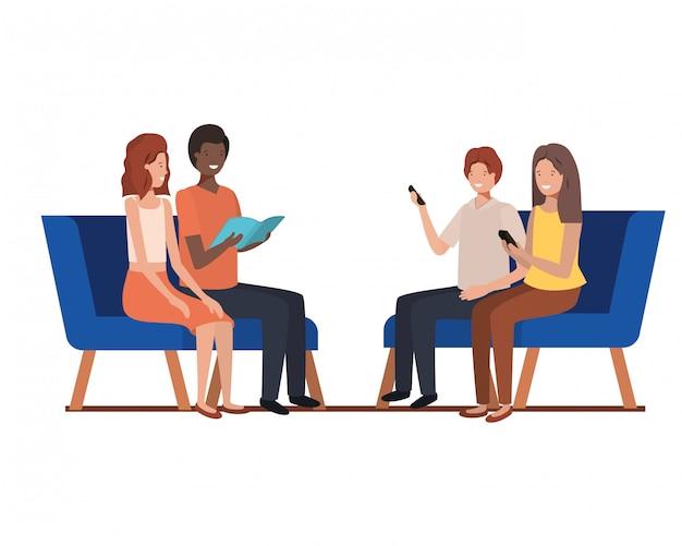 Gruppe von personen mit dem sitzen in den stühlen