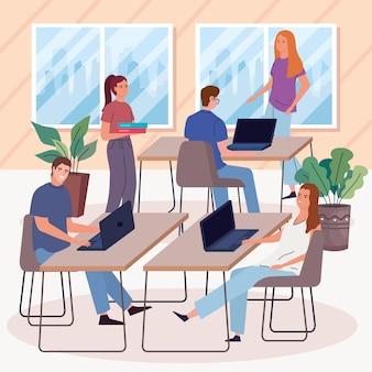 Gruppenarbeiter am arbeitsplatz