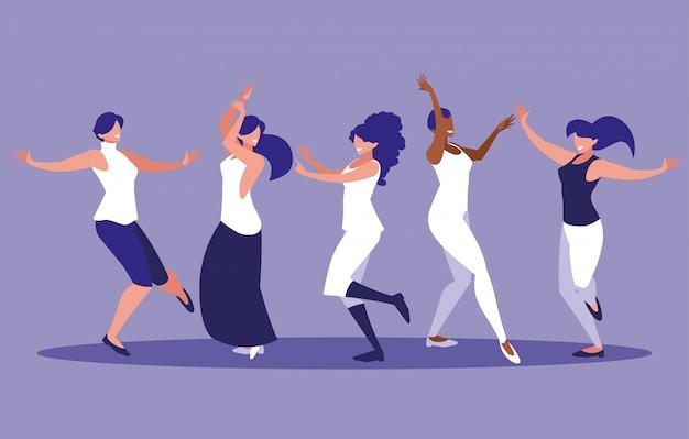 Gruppenfrauen, die avataracharakter tanzen