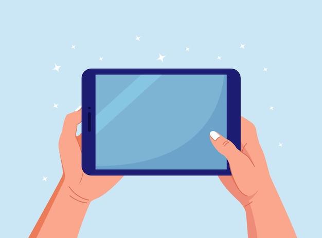 Hände, die auf digitalen tablet-pc halten und zeigen. mann, der leeren bildschirm des tablet-computers berührt