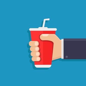 Hände halten alkoholfreie getränke
