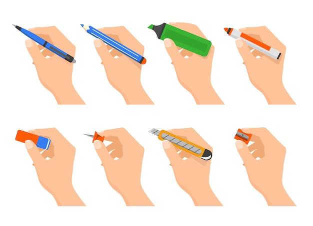 Hände halten briefpapier isoliert. bürobedarf