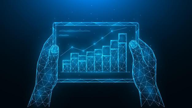 Hände halten ein tablet mit einer steigerungsgrafik wachstum der investitionssteigerung des umsatzes