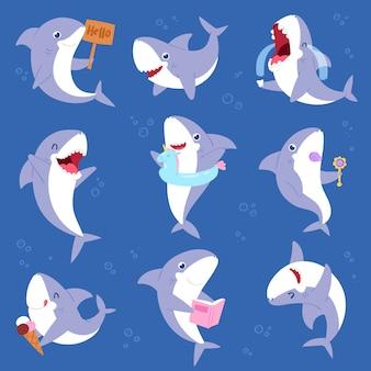 Hai-karikatur-seefisch, der mit scharfem zahnillustrationssatz des fischereicharakterillustrationskindes des spielens oder des weinens des babyfisches auf meereshintergrund lächelt