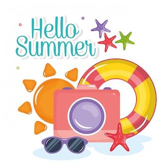 Hallo sommer schriftzug mit urlaub elementen