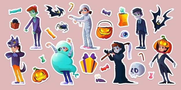 Halloween-aufkleber mit menschen in gruseligen kostümen