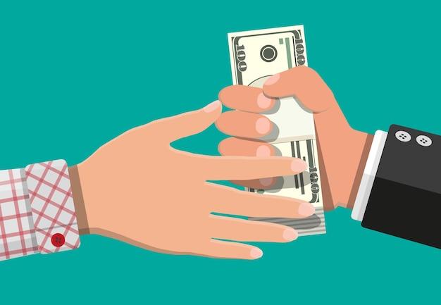 Hand, die geld an eine andere hand gibt