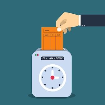 Hand, die papierkarte in zeitrekordermaschine einsetzt