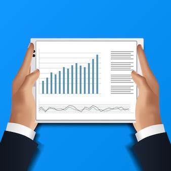 Hand, die tablette hält. geschäftsmann las datenanalysekalkulationstabelle für finanzbericht mit diagramm und diagramm