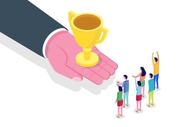 Hand geben trophy cup. erfolg, sieg team konzept isometrisch. illustration.