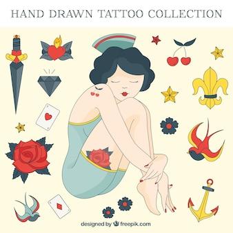Hand gezeichnet mädchen mit seemann tattoos set