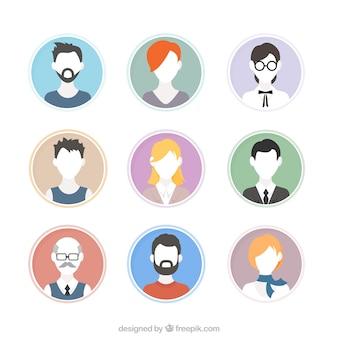 Hand gezeichnet menschen avatare ohne gesichter gesetzt