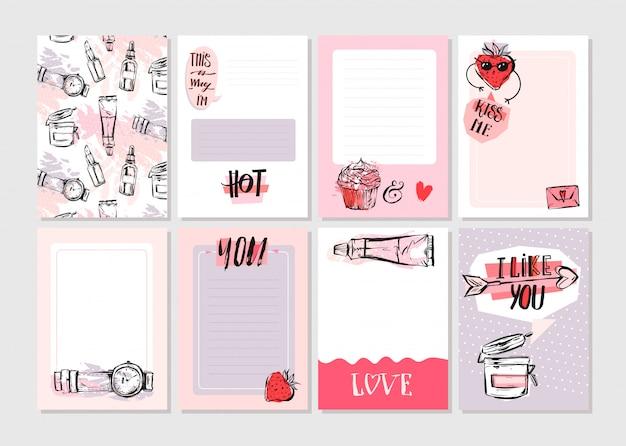 Hand gezeichnete abstrakte kreative girlie druckbare journaling karten vorlage set sammlung in rosa pastellfarben mit trendigen mode-elementen auf weißem hintergrund.