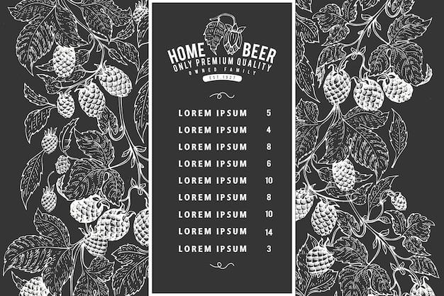 Hand gezeichnete bierentwurfsschablone. vektorbrauereiillustrationen auf kreidetafel. vintage hop hintergrund