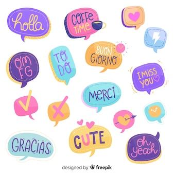 Hand gezeichnete chatblasen mit verschiedenen ausdrücken