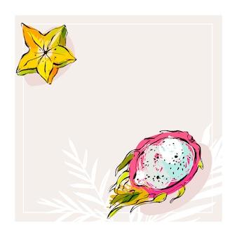 Hand gezeichnete notizseite oder karte mit tropischen exotischen früchten karambola und drachenfrucht isoliert