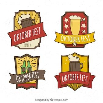 Hand gezeichnete oktoberfest abzeichen