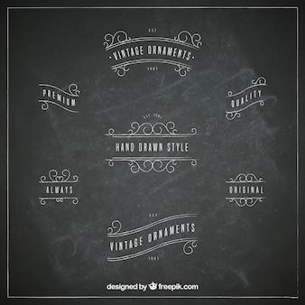 Hand gezeichnete weinleseverzierung mit tafelart