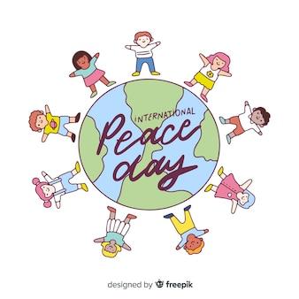Hand gezeichneter friedenstaghintergrund mit kindern