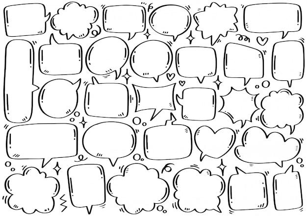 Hand gezeichneter satz der niedlichen sprechblase im gekritzelstil